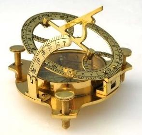 Żeglarski kompas z zegarem słonecznym