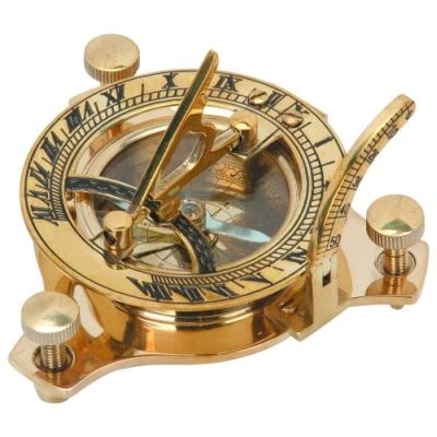 Zegar słoneczny z kompasem