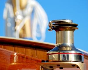 brass-winch-ii-1388165-m